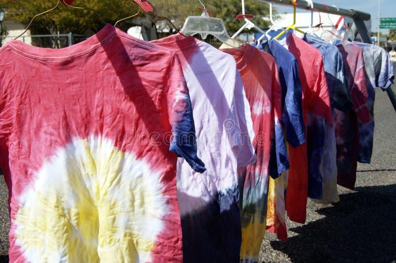 camisas Amarrar-tingidas fotografia de stock royalty free
