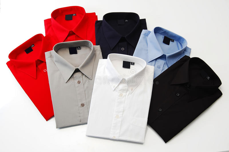Camisas coloridas imagens de stock