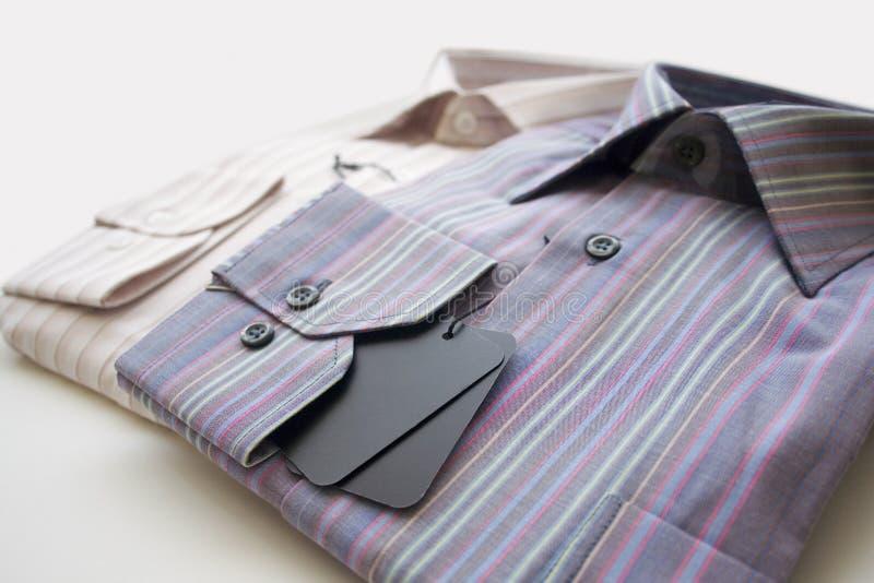 Camisas de vestido dos homens imagem de stock
