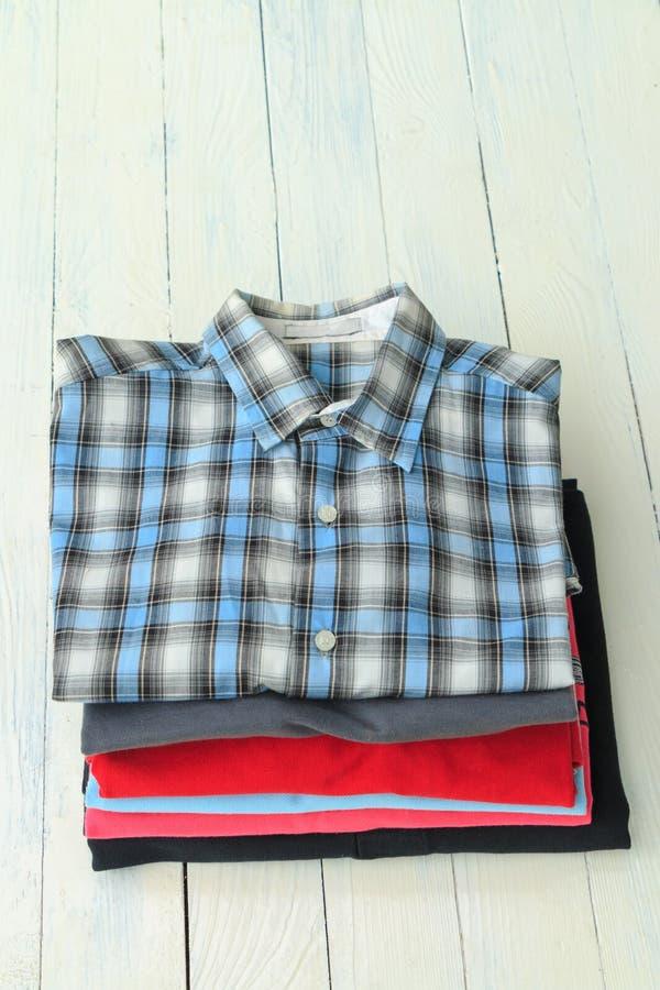 Camisas do homem foto de stock royalty free