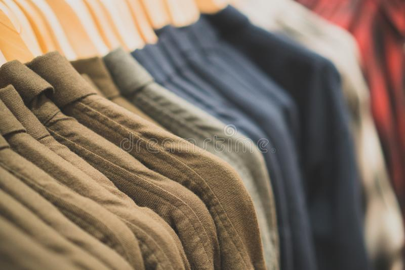 Camisas mornas do ` s dos homens fotos de stock royalty free