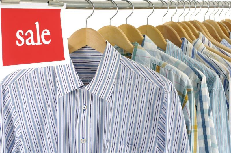 Camisas para a venda fotos de stock