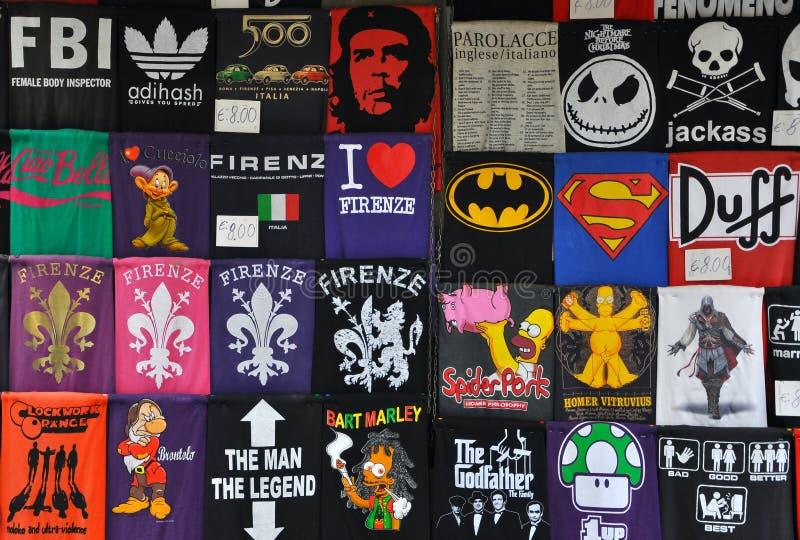 Camisetas divertidas en Florencia, Italia ilustración del vector