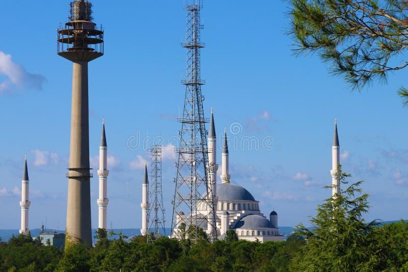 Camlica moské i Istanbul, Turkiet royaltyfri fotografi