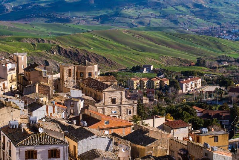 Cammarata, Sicile, Italie en vallée photographie stock