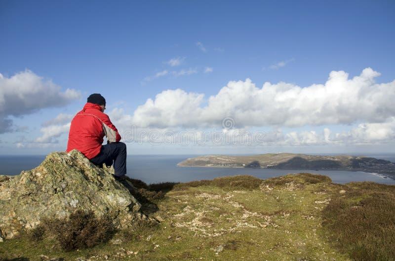Camminando intorno alla montagna di Conwy fotografia stock libera da diritti