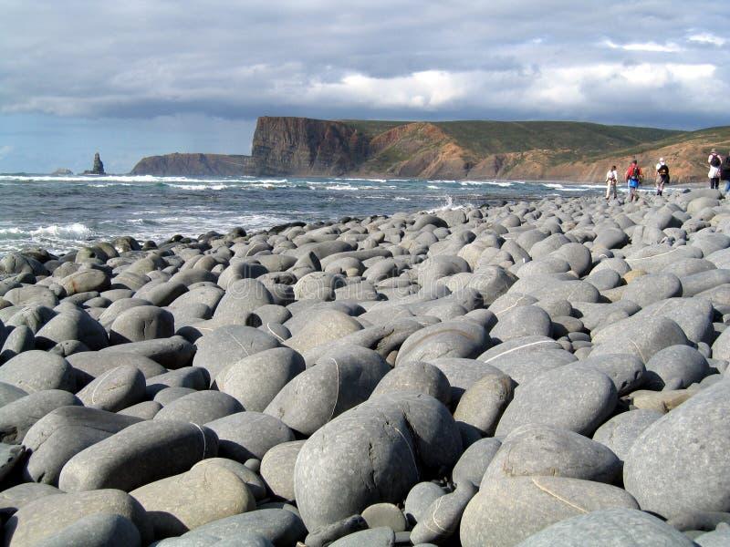 Camminando la spiaggia fotografia stock libera da diritti