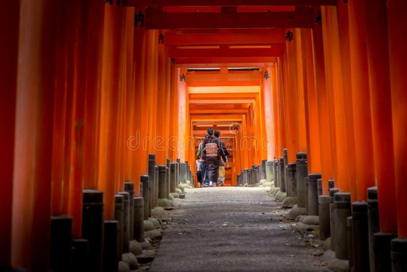 Camminata del tunnel fotografia stock