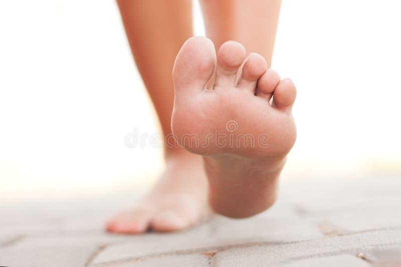 Camminata delle gambe fotografia stock