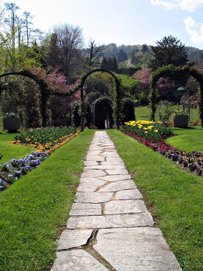 Camminata nel giardino fotografia stock