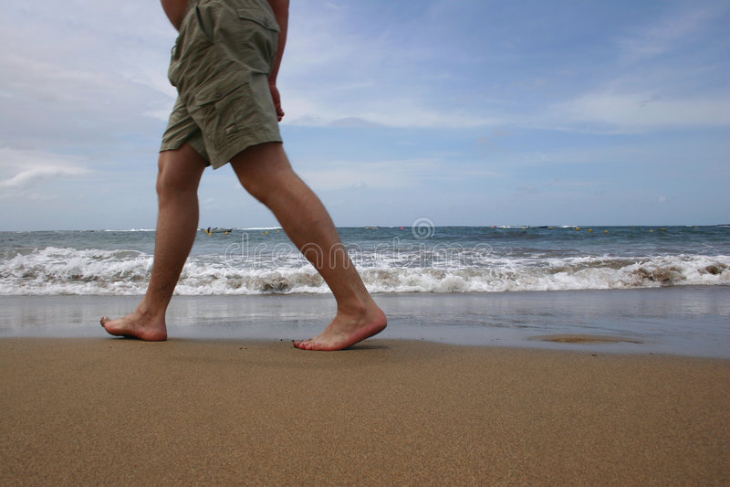 Camminatore della spiaggia fotografia stock libera da diritti