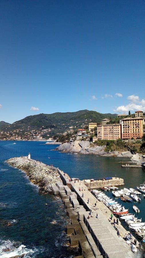 Camogli port arkivfoton