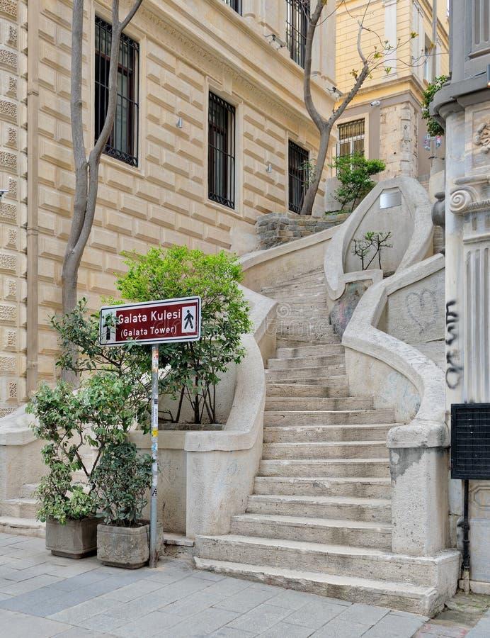 Camondo kroki, sławny zwyczajny schody prowadzi Galata wierza, budujący wokoło 1870, Ä°stanbul, Turcja obraz royalty free