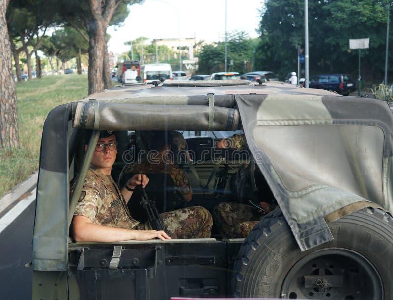 Camouflagemilitairen royalty-vrije stock foto's