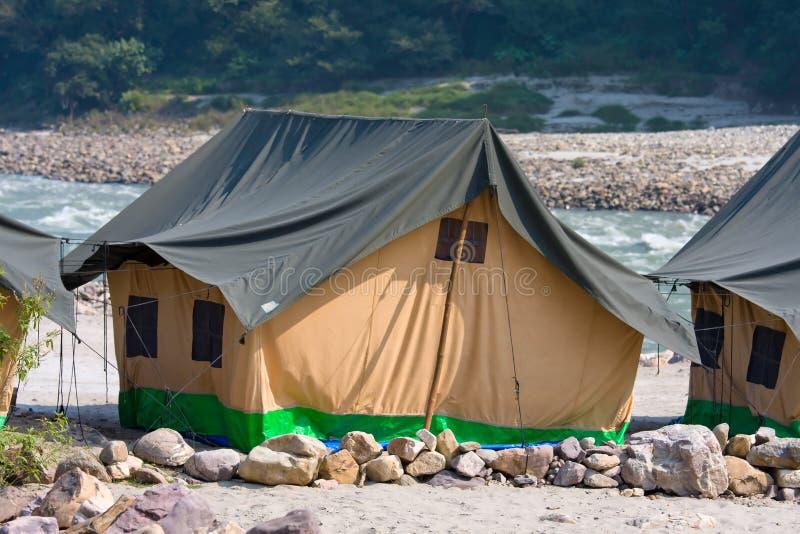 Camp au fleuve de Ganges image stock