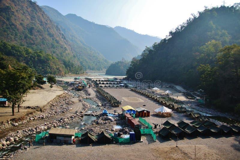 Camp de tente en Himalaya photo stock