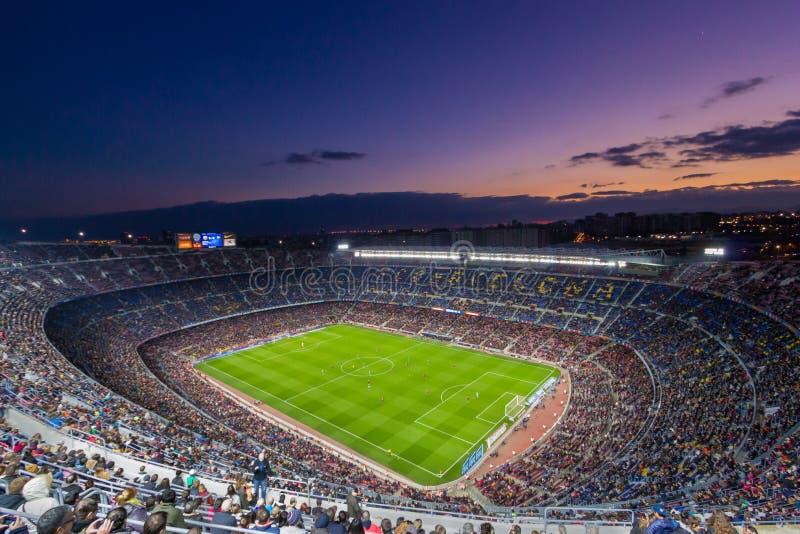 Camp Nou au coucher du soleil images stock