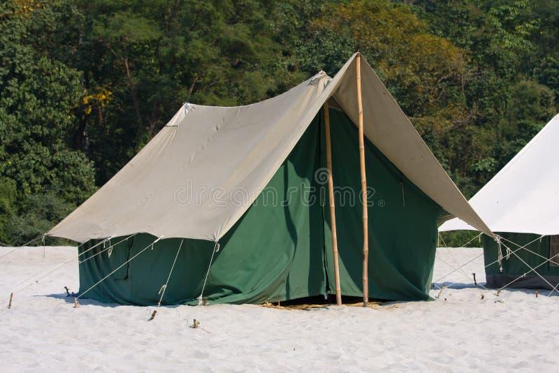 Camp sur le Gange l'Inde images libres de droits