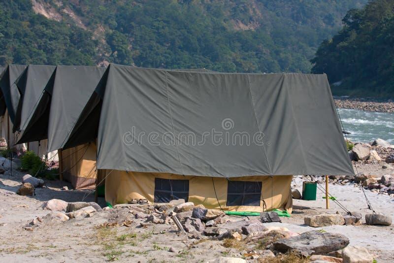 Camp sur le Gange l'Inde image stock