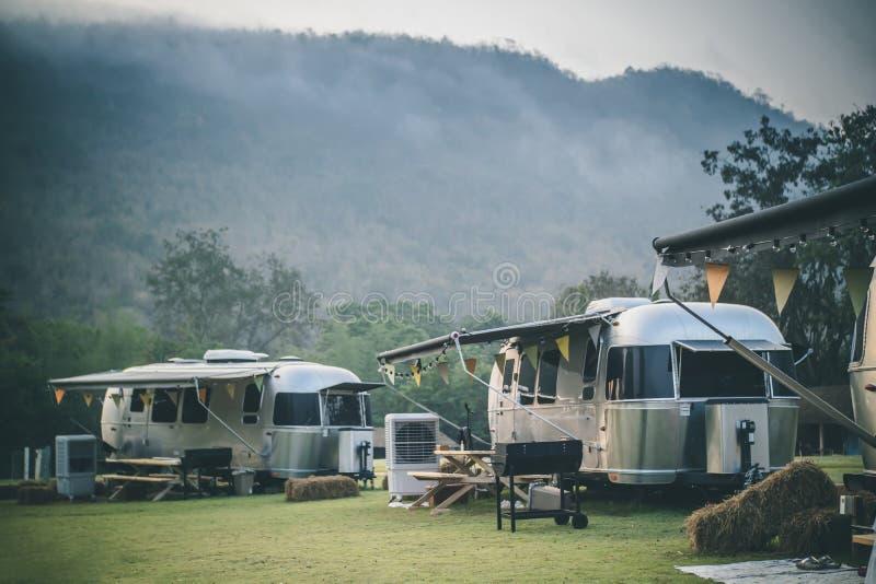 Campa campingplatsnolla för husvagn royaltyfri fotografi
