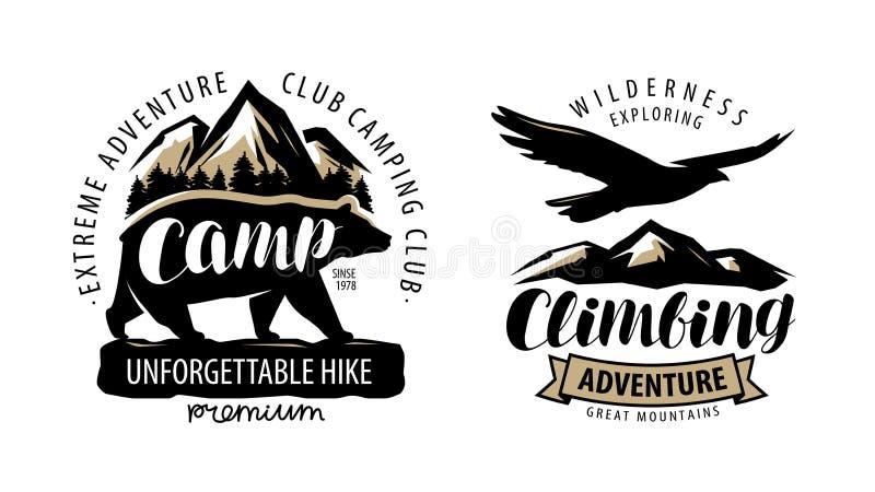 Campa och att klättra logo eller etiketten Vandring lägeremblem Tappningvektor stock illustrationer