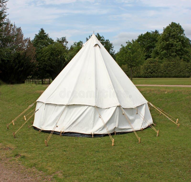 campa tent för klocka arkivbilder