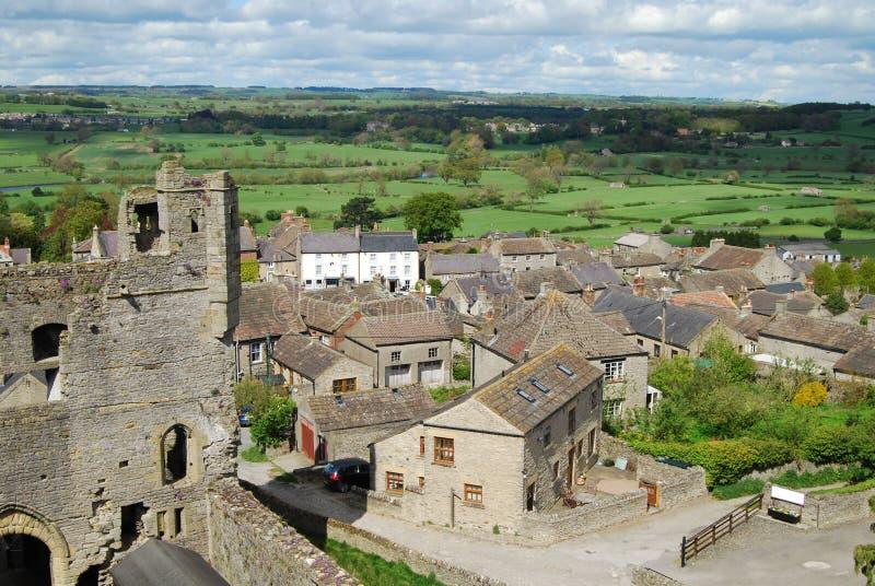 Campagna di North Yorkshire dalla torre al castello di Middleham fotografia stock
