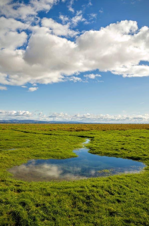 Campagne anglaise, Grange-au-dessus-sables, Cumbria, Angleterre image libre de droits