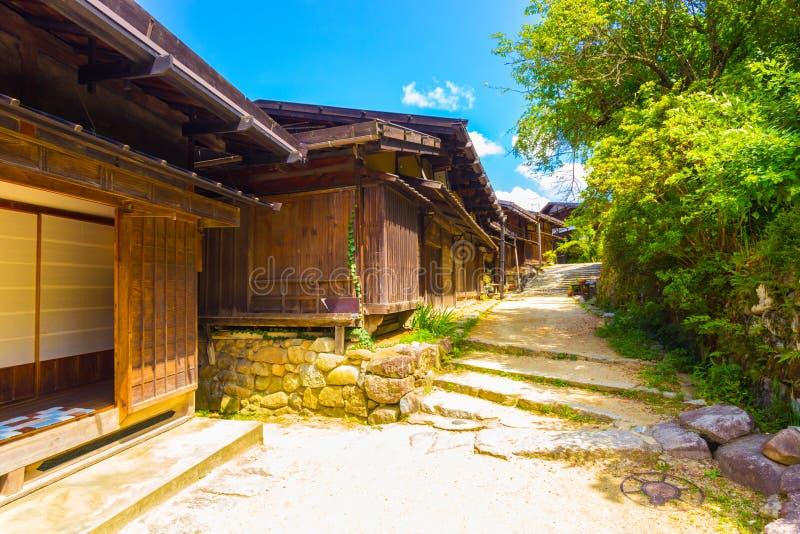 Campagne de chemin de terre de Nakasendo de village de Tsumago image stock