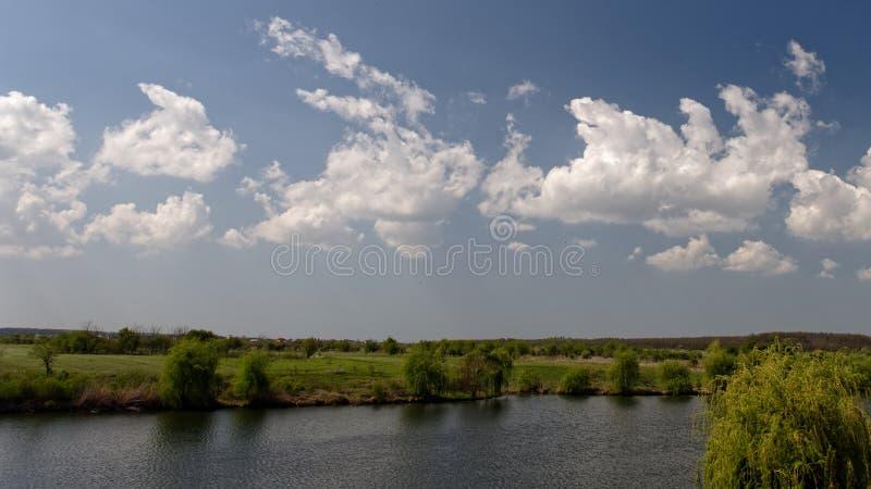 Campagne de ressort, Corbeance, le comté de Ilfov, Roumanie photo stock