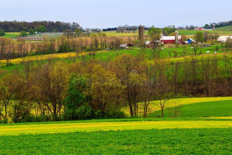 Campagne et fermes de la Pennsylvanie au printemps près de Kutztown Champs commençant juste à être labouré photo stock