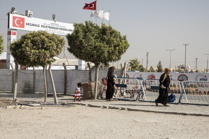 Campamento de refugiados para la gente siria en Turquía 6 de septiembre de 2017 Akcakale, Turquía imagen de archivo