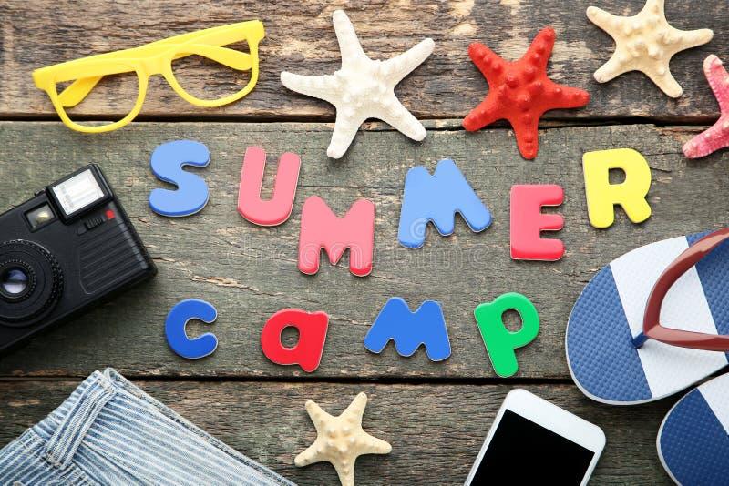 Campamento de verano de la inscripción imágenes de archivo libres de regalías