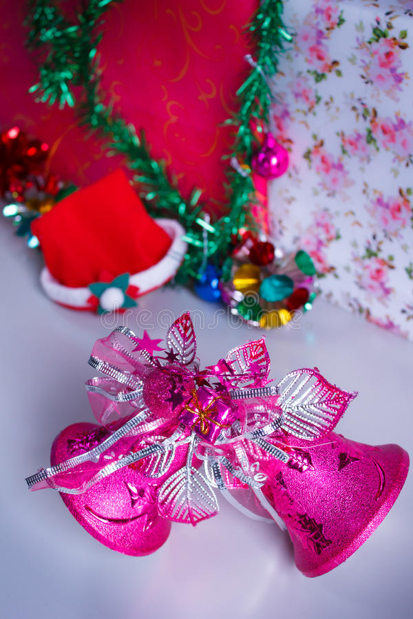 Campana de la decoración de la Navidad fotos de archivo