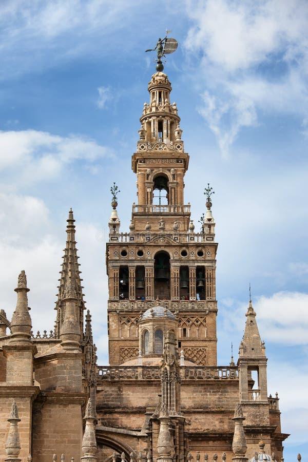 Campanario de Giralda del La de la catedral de Sevilla en España fotos de archivo libres de regalías