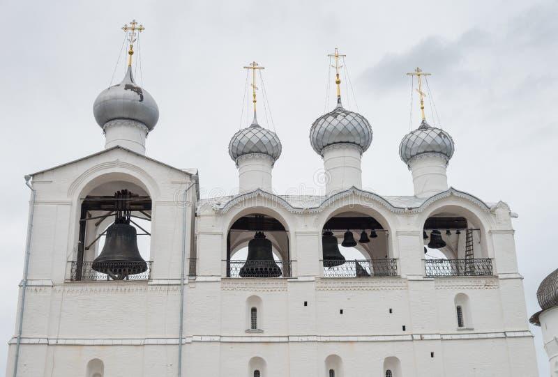 Campanario de la catedral 1682— 1688 de la suposición en Rostov el Kremlin, Rostov, región de Yaroslavl, Rusia fotos de archivo libres de regalías