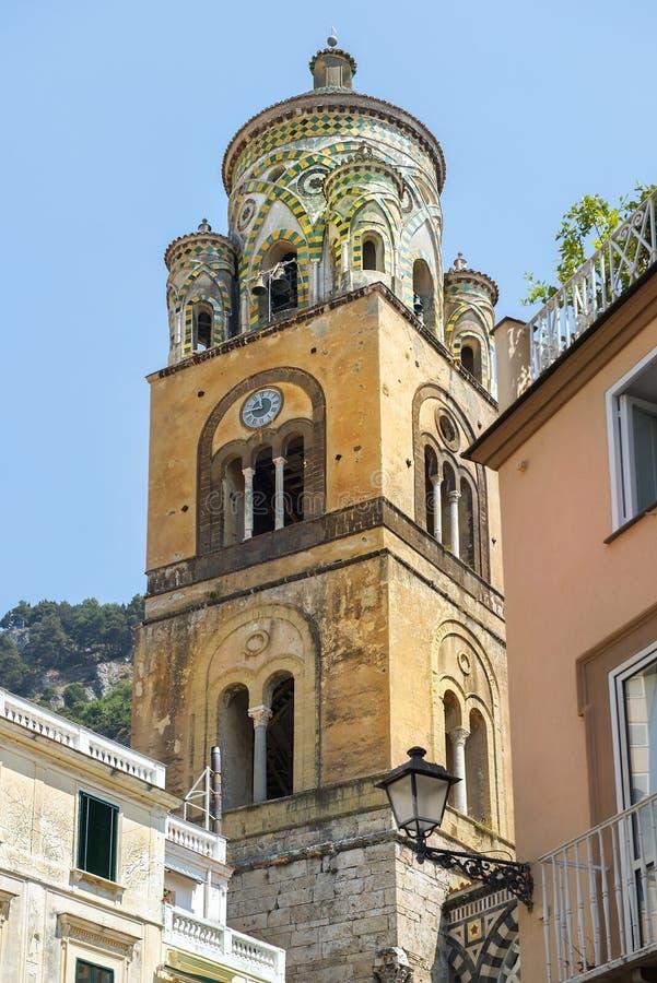 Campanario de la catedral de Amalfi, Amalfi, Italia fotos de archivo libres de regalías