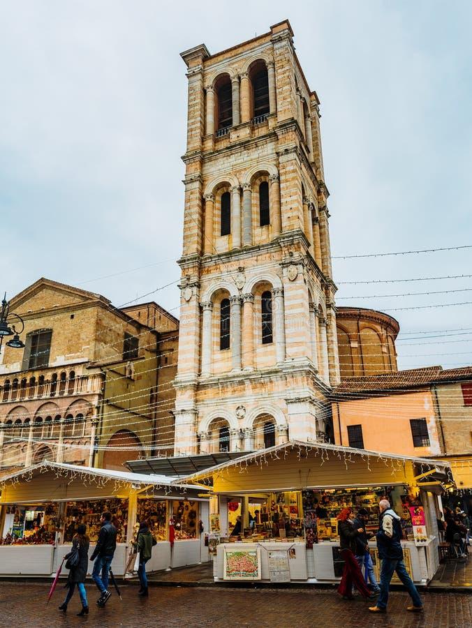 Campanario de la catedral en Ferrara, Italia imágenes de archivo libres de regalías