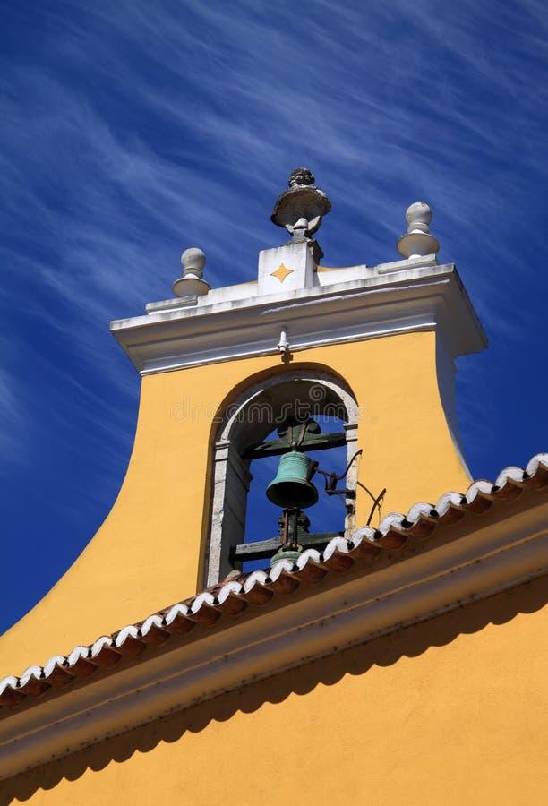 Campanario de una iglesia del Barroco de Portugal Lisboa Oeiras imagen de archivo libre de regalías