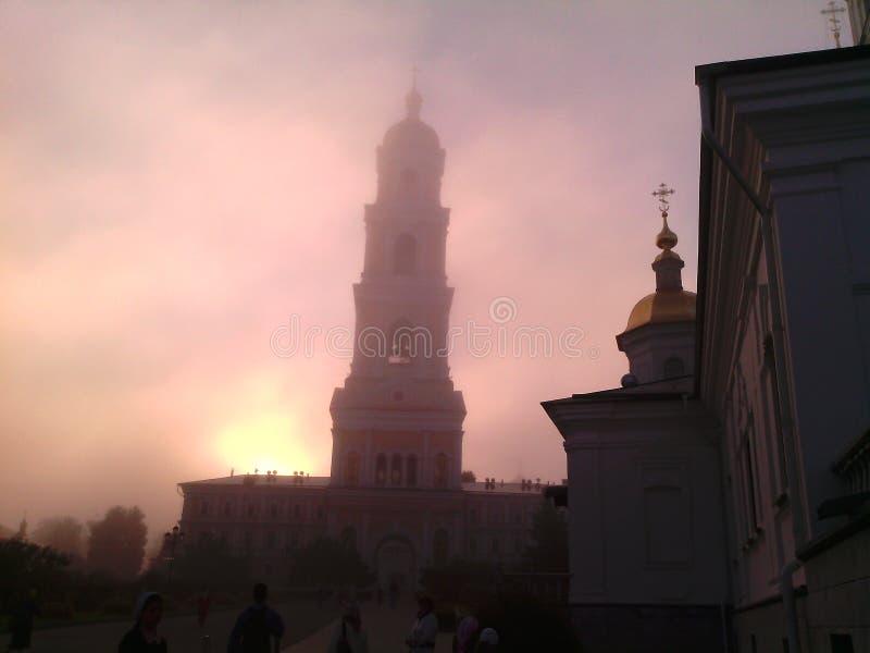 Campanario del monasterio por la mañana imagen de archivo