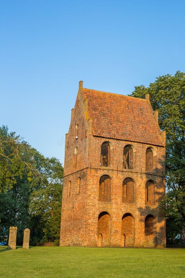 Campanario del Sankt Petri Church en Westerstede imagen de archivo