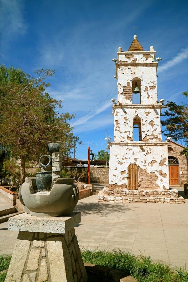 Campanario histórico del santo Lucas Church o Iglesia de San Lucas, ciudad de Toconao, Chile septentrional imagen de archivo