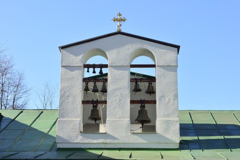 Campanas de iglesia fotos de archivo