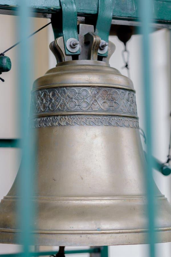 Campanas de iglesia en el monasterio imagen de archivo