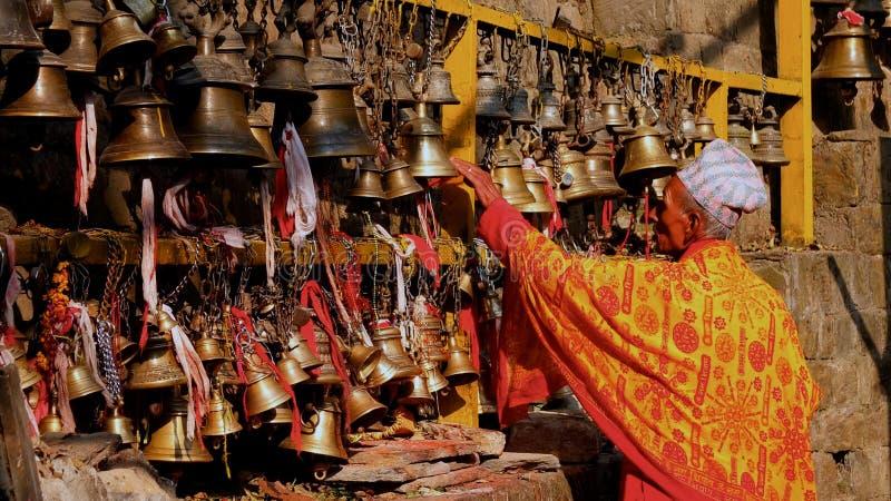 Campanas Nepal del templo fotografía de archivo libre de regalías