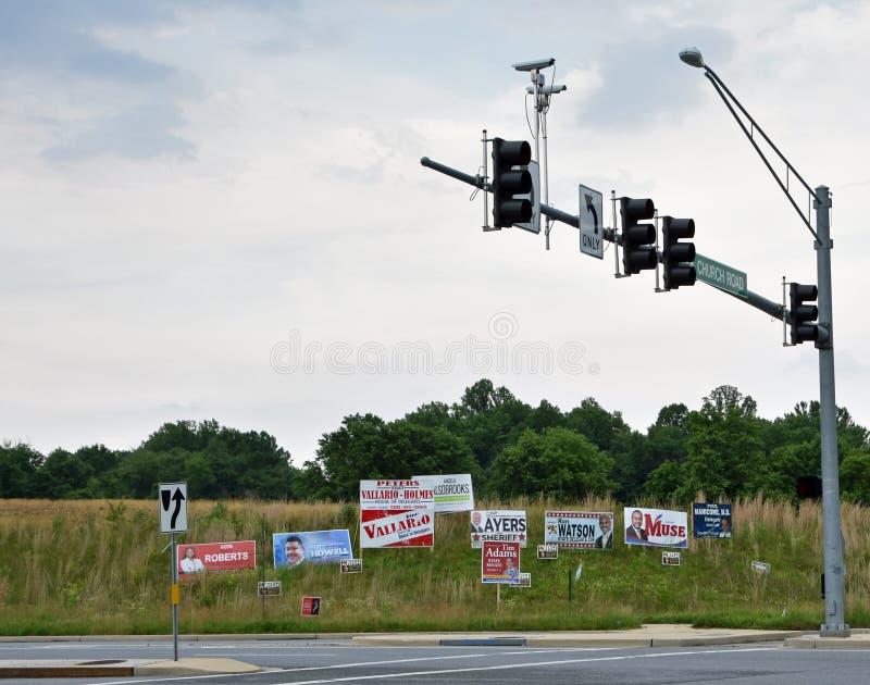 A campanha de eleições primárias assina North Carolina fotografia de stock