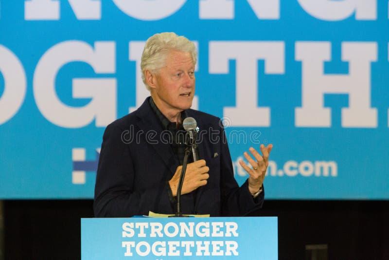 Campanhas do presidente Bill Clinton para Hillary imagens de stock royalty free
