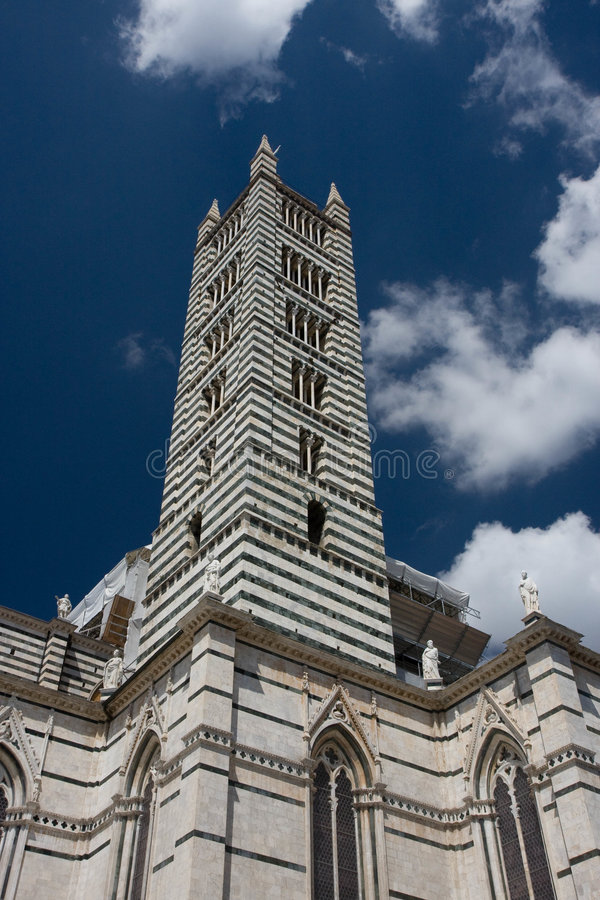 Download Campanil, Siena foto de archivo. Imagen de piedra, negro - 7275630
