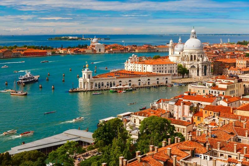 从Campanile di圣Marco的看法向威尼斯,意大利 库存照片