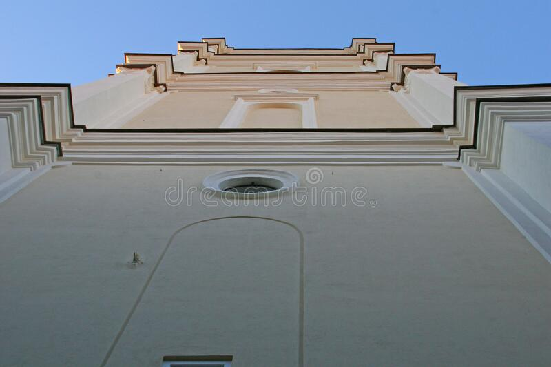 Campanile of Saint Johns Church in Vilnius royaltyfri bild